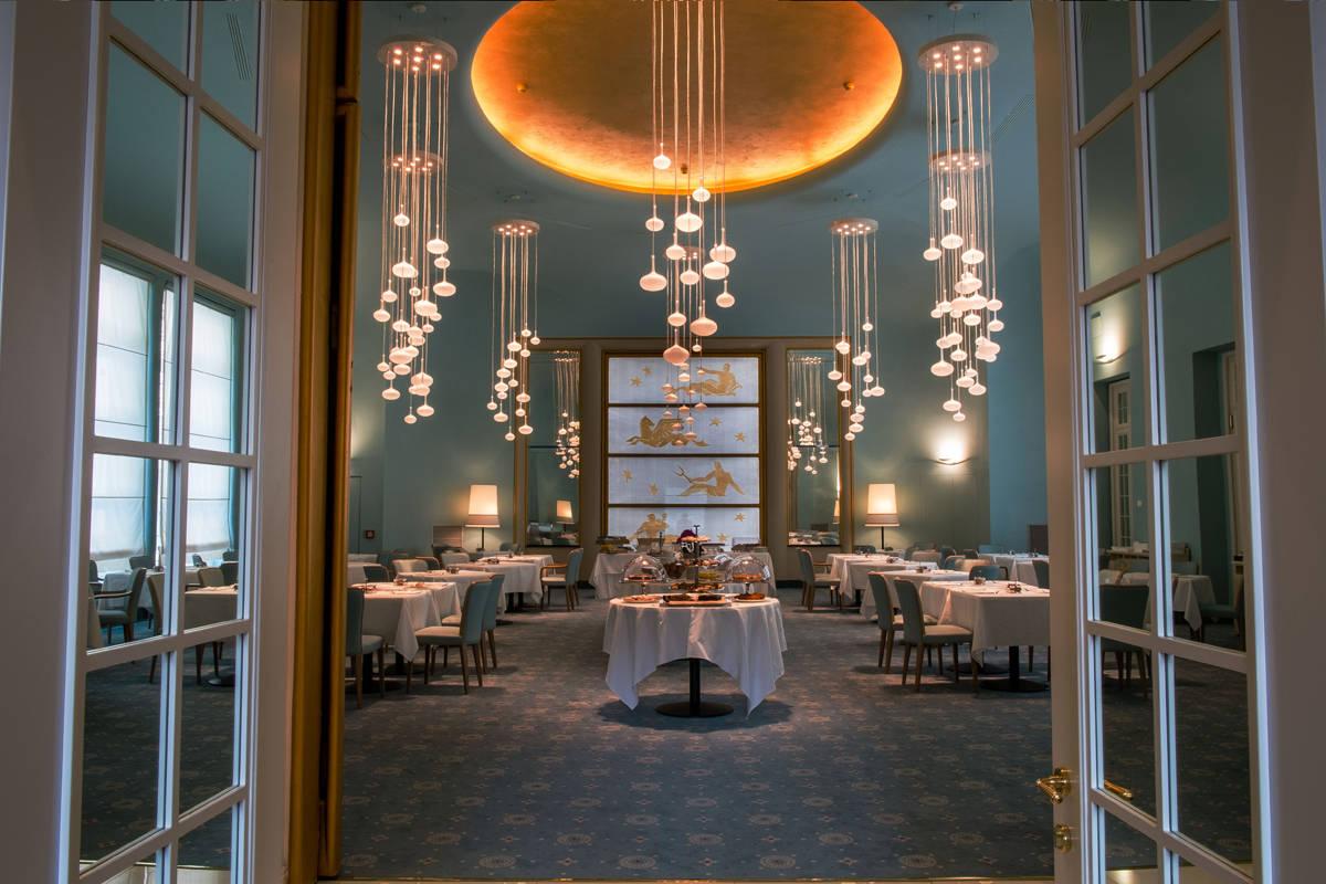 Melogranoblu lights up the turin palace hotel interiors for Designhotel turin