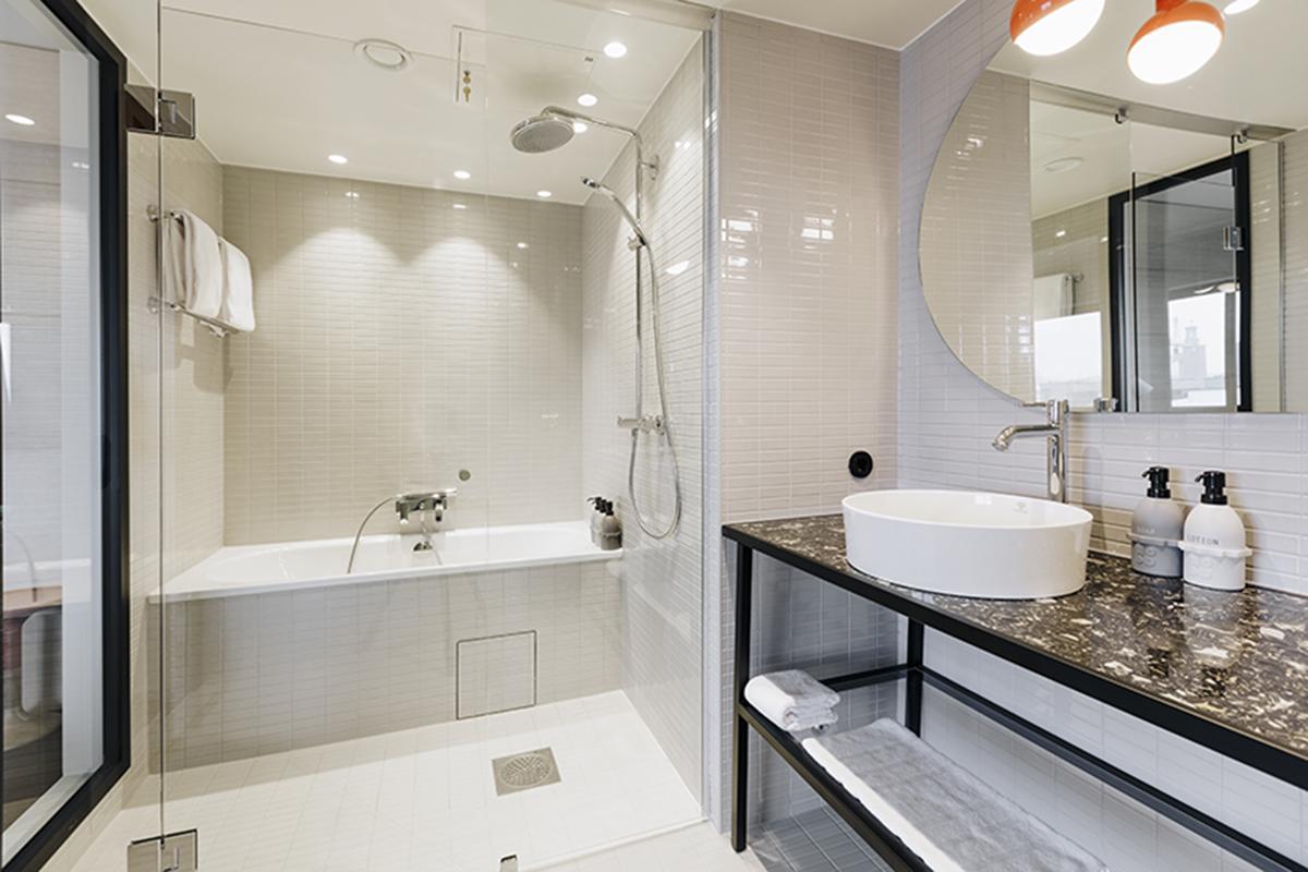 Hobo Hotel, room