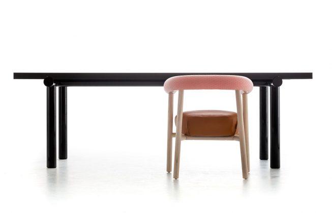 Moroso, tavolo Pipe, design Sebastian Herkner