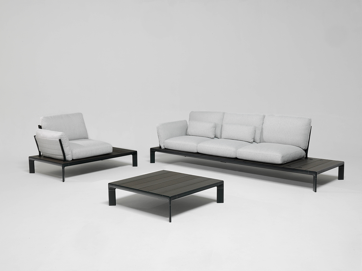 Emu patrick norguet designed the tami seats system that stands out for the supporting base with an aluminium alloy structure and interlocking slats in wpc
