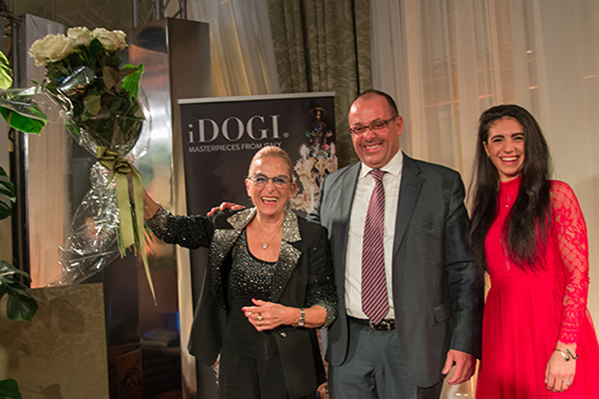 iDOGIAwards2018_Venice, Cà Vendramin Calergi_President Domenico Caminiti with founder (mother) and daughter