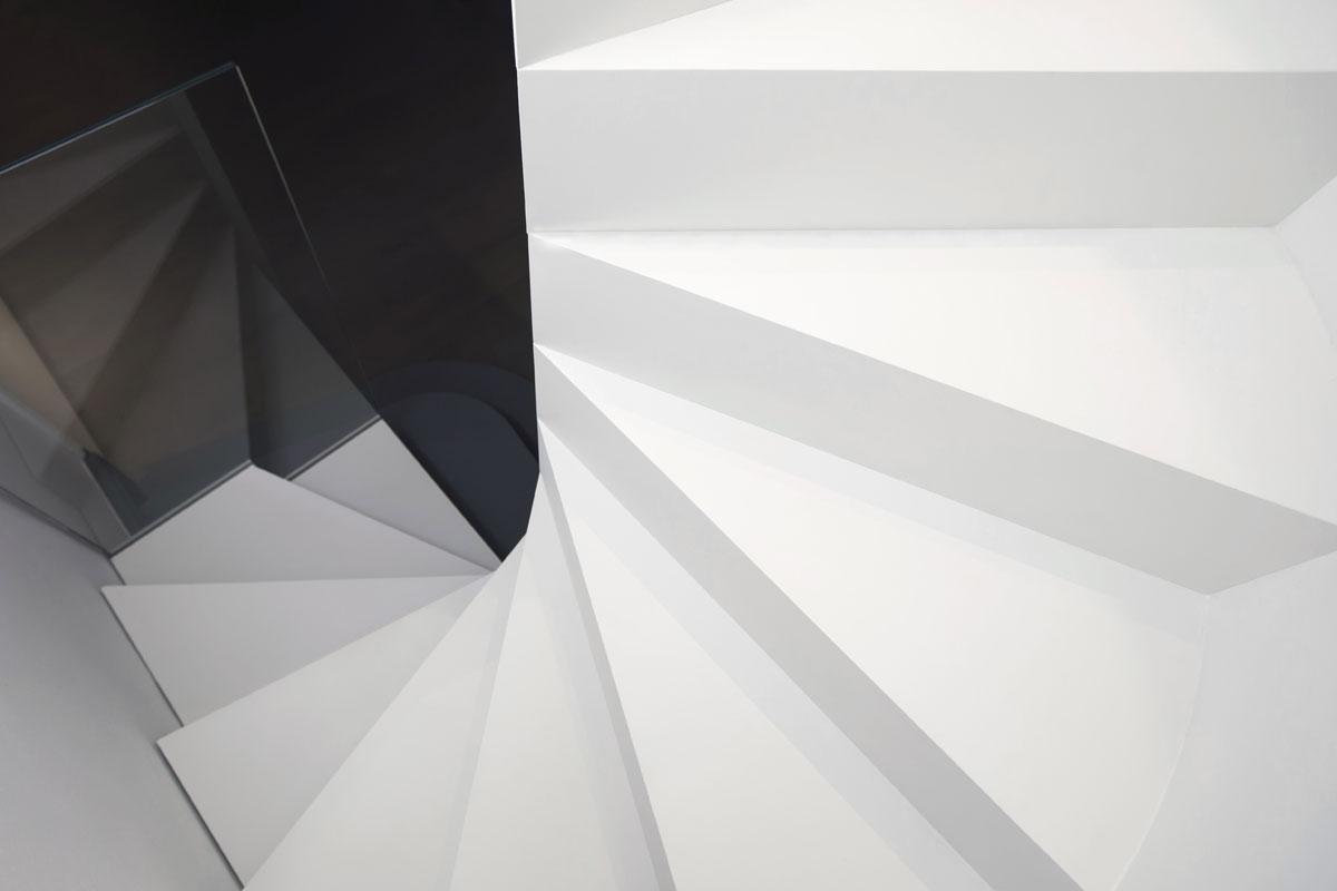 Scala creata da Fontanot, realizzata in collaborazione con lo studioWestway Architects