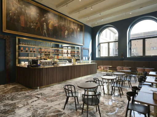 Caffè Fernanda, Pinacoteca di Brera, Milano. Progetto rgastudio, arredi Pedrali. © Michele Nastasi