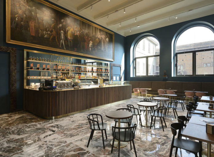 Caffè Fernanda, Pinacoteca di Brera, Milano. Progetto rgastudio, arredi Pedrali. Foto Michele Nastasi.
