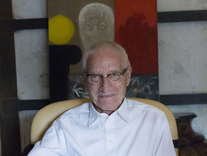 Alessandro Mendini (16 agosto 1931, Milano - 18 febbraio 2019, Milano)