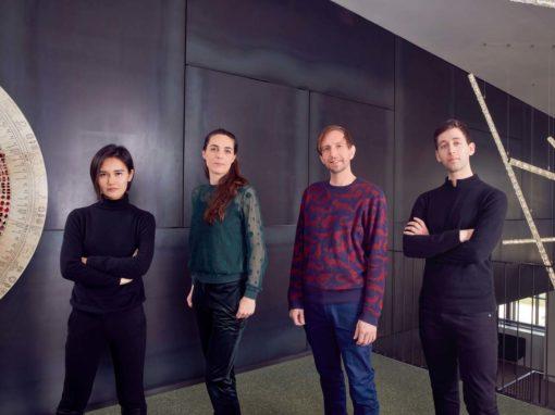 Juju Wang, il duo olandese Studio Klarenbeek e Dros, e Raffe Burrell, vincitori del premio Designers of the Future