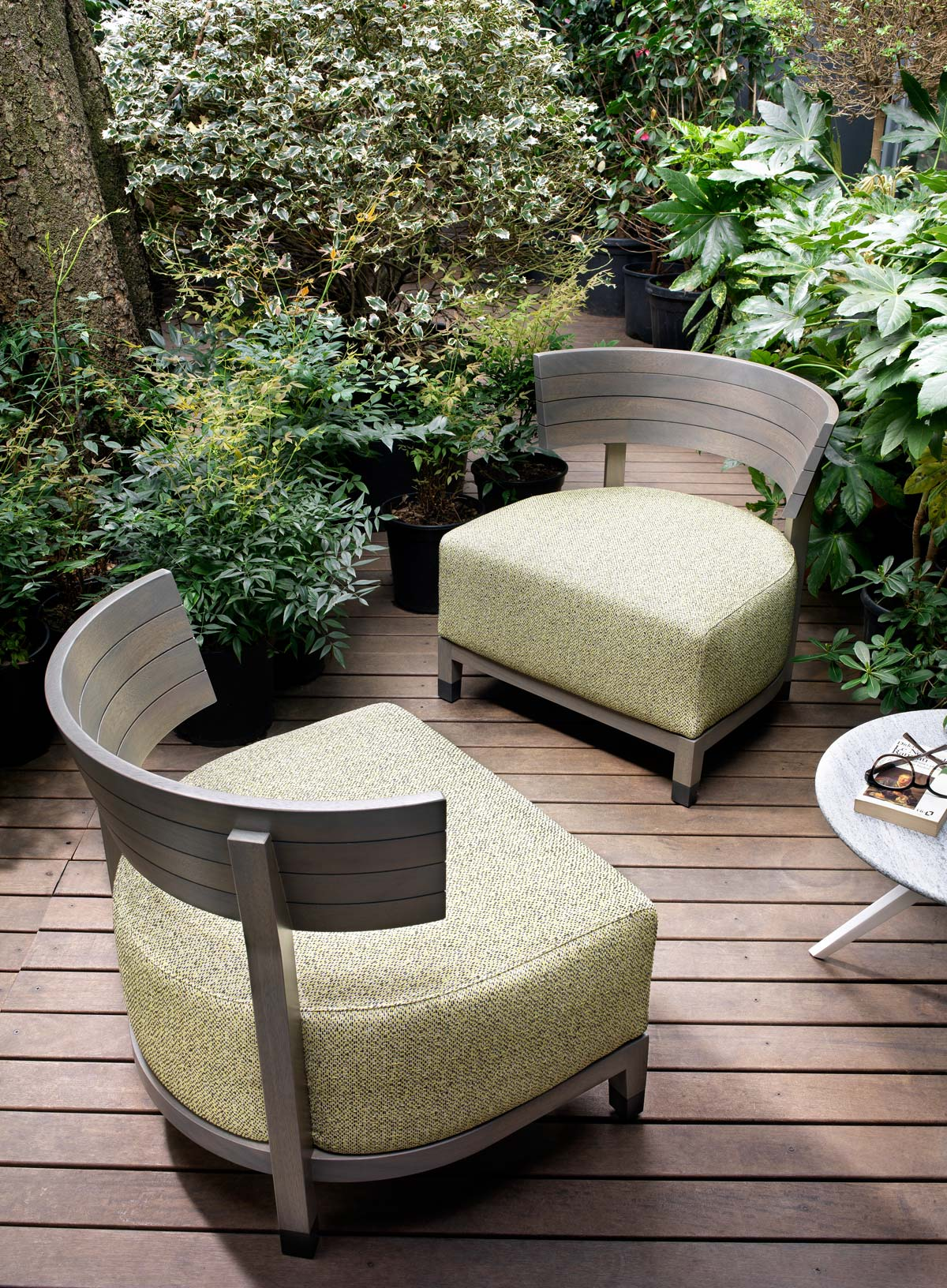 Thomas outdoor armchairs
