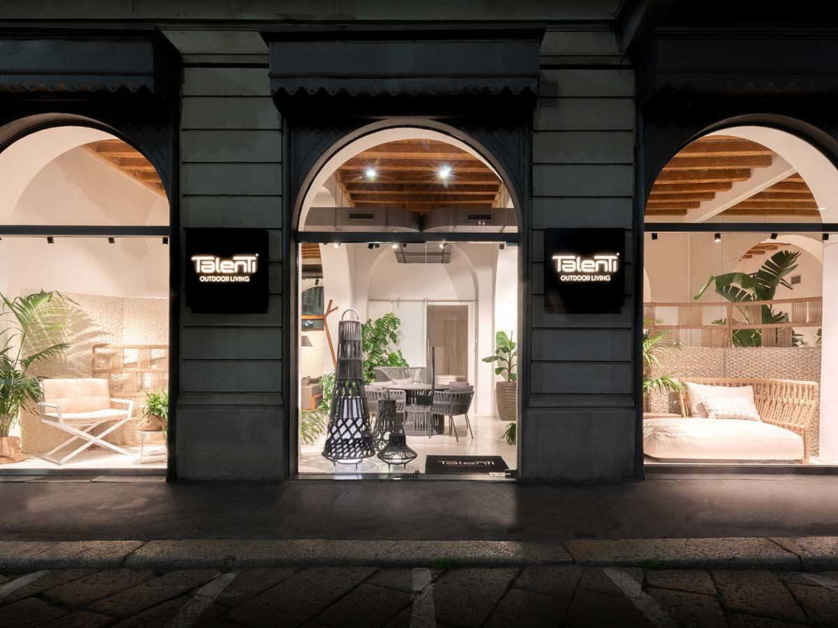 Vetrine showroom Milano Talenti, Via Pontaccio 19