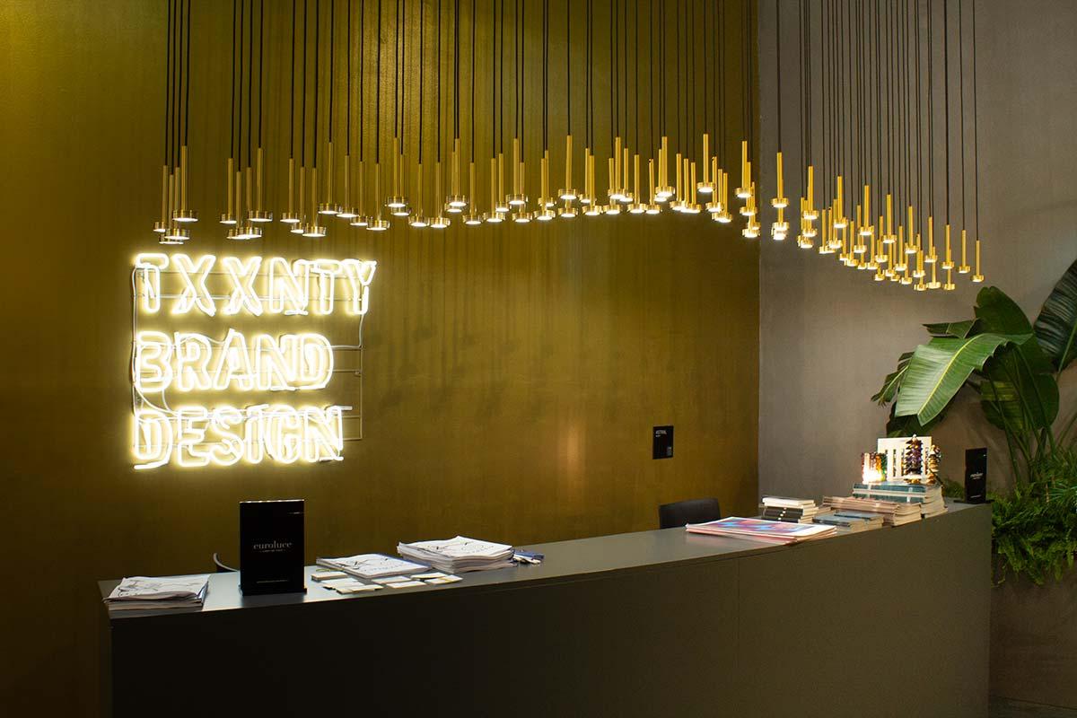 Stand a Euroluce di Txxnty Brand Design