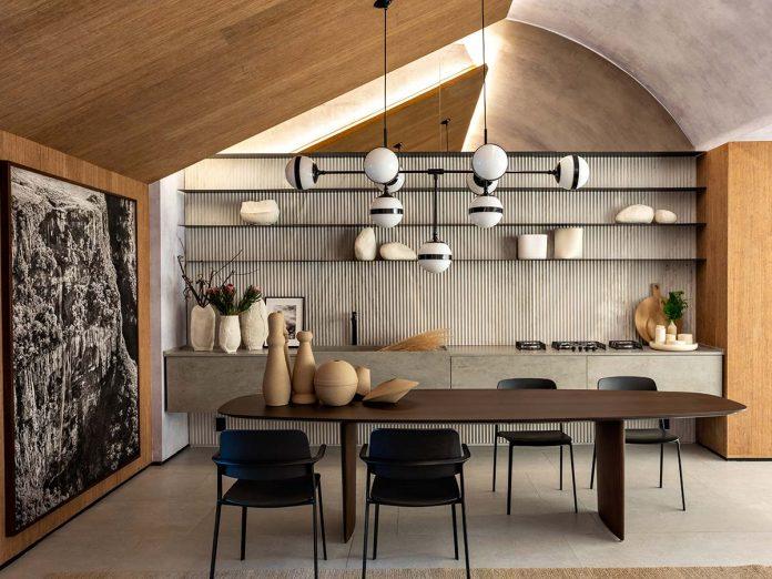 Tavolo Ala by Ferruccio Laviani nel Loft Refúgio
