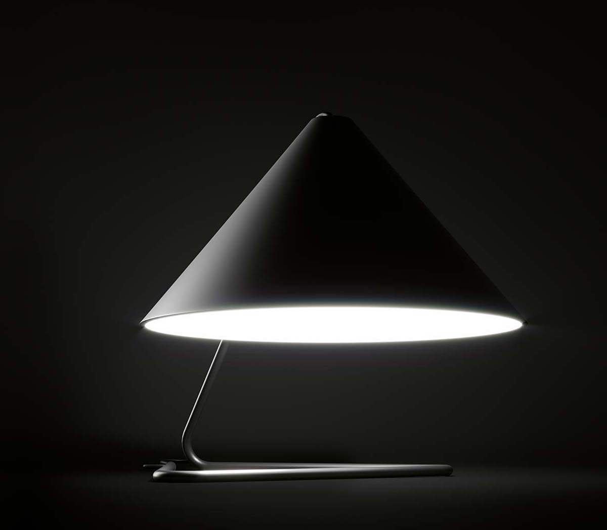 Anna Lamp by Paolo Tilche, showroom De Padova, London ©Tommaso Sartori