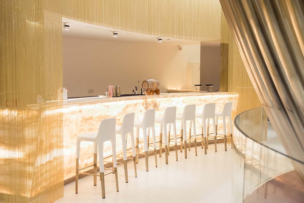 VIc by Patrick Jouin, miX bar and lounge, ©pmonetta