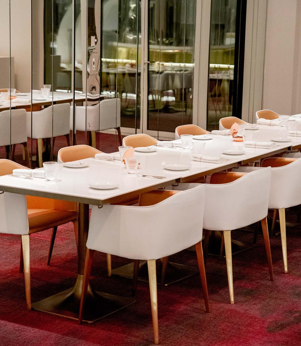 Poltrona Laja by Alessandro Busana, miX Restaurant, ©pmonetta