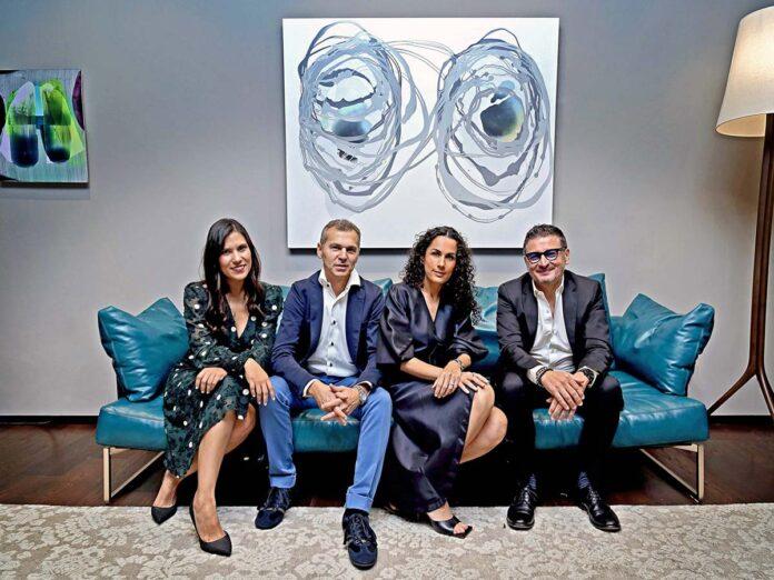 Da destra, Luigi Lucchetta, Product Manager Désirée, Sofía Barragán Store Ownwer, Paolo Nardo Export Sales Manager Euromobil Group
