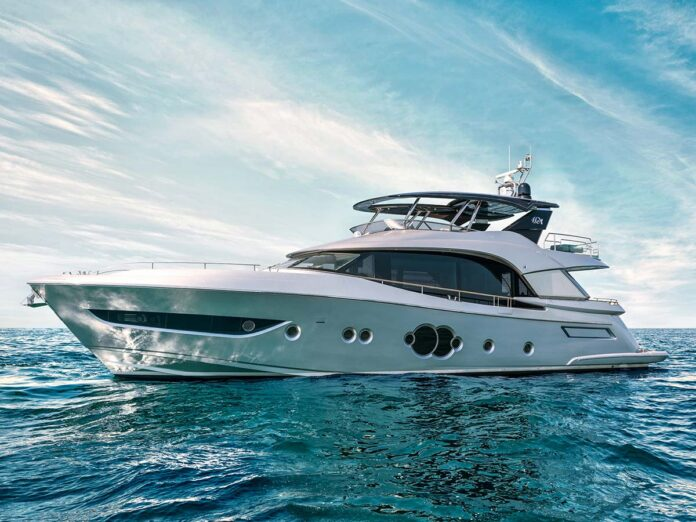 MCY76 di Monte Carlo Yachts