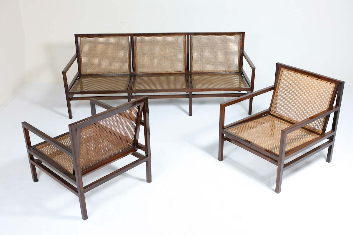 Set of couch and armchairs in wood and cane by Joaquim Tenreiro (1958), courtesy of Mercado Moderno