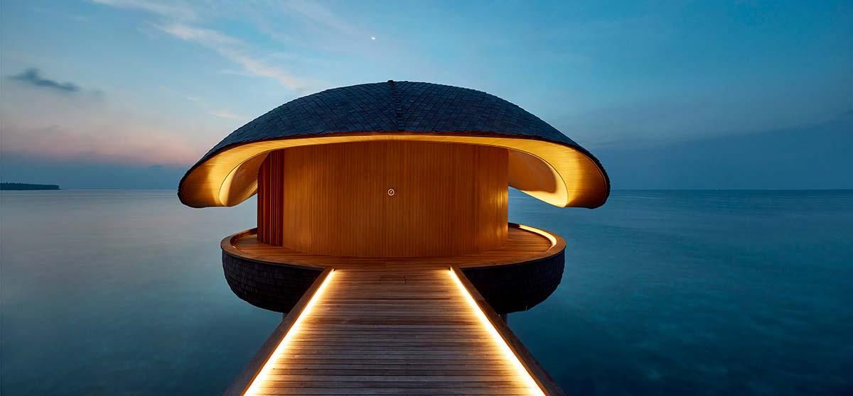 Whale Bar | St Regis Maldives Vommuli Resort