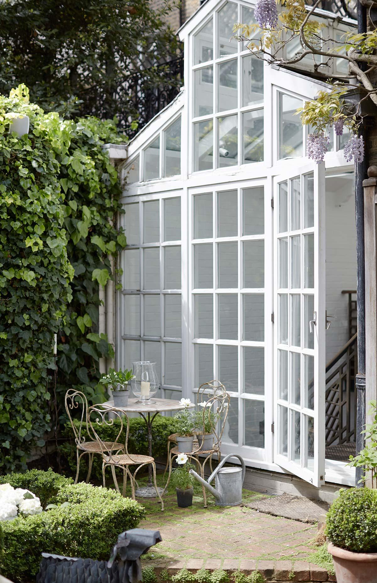 Green House by Officine Gullo. Progetto di Alison Henry