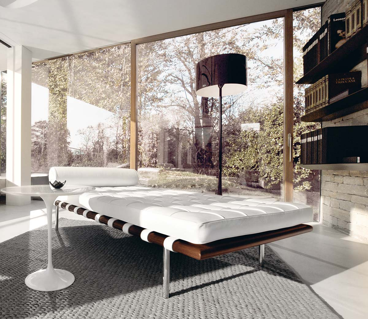 Day bed Barcelona® by Mies van der Rohe