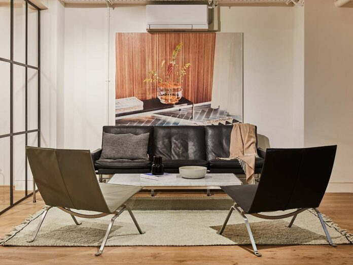 Divano Lissoni Sofa by Piero Lissoni, Fritz Hansen showroom in London Clerkenwell