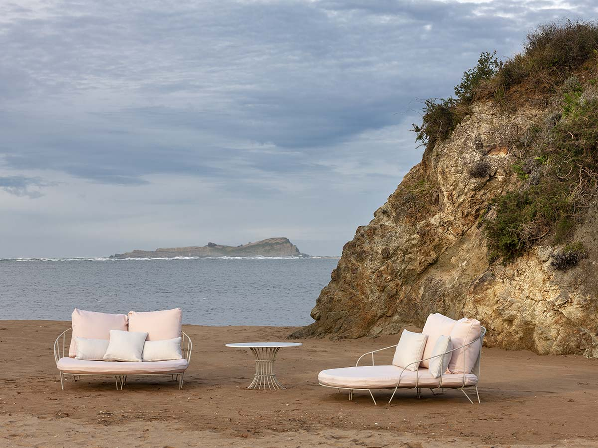 Daybed Olivo, by Isimar