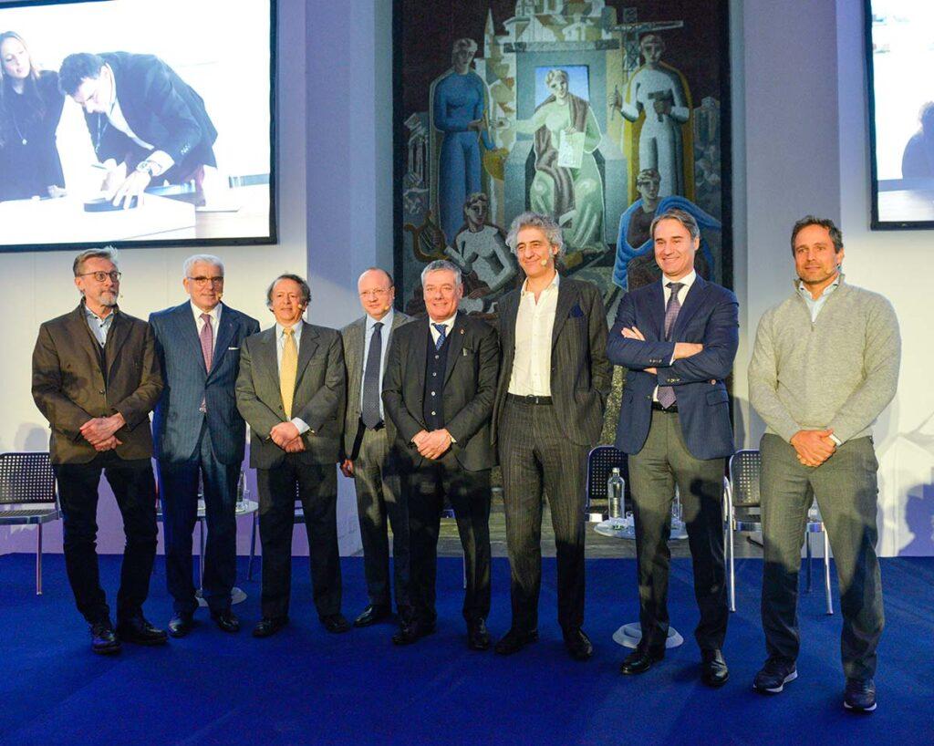 Management e istituzioni alle celebrazioni ufficiali dei 90 anni di Pininfarina. Al centro Presidente Paolo Pininfarina