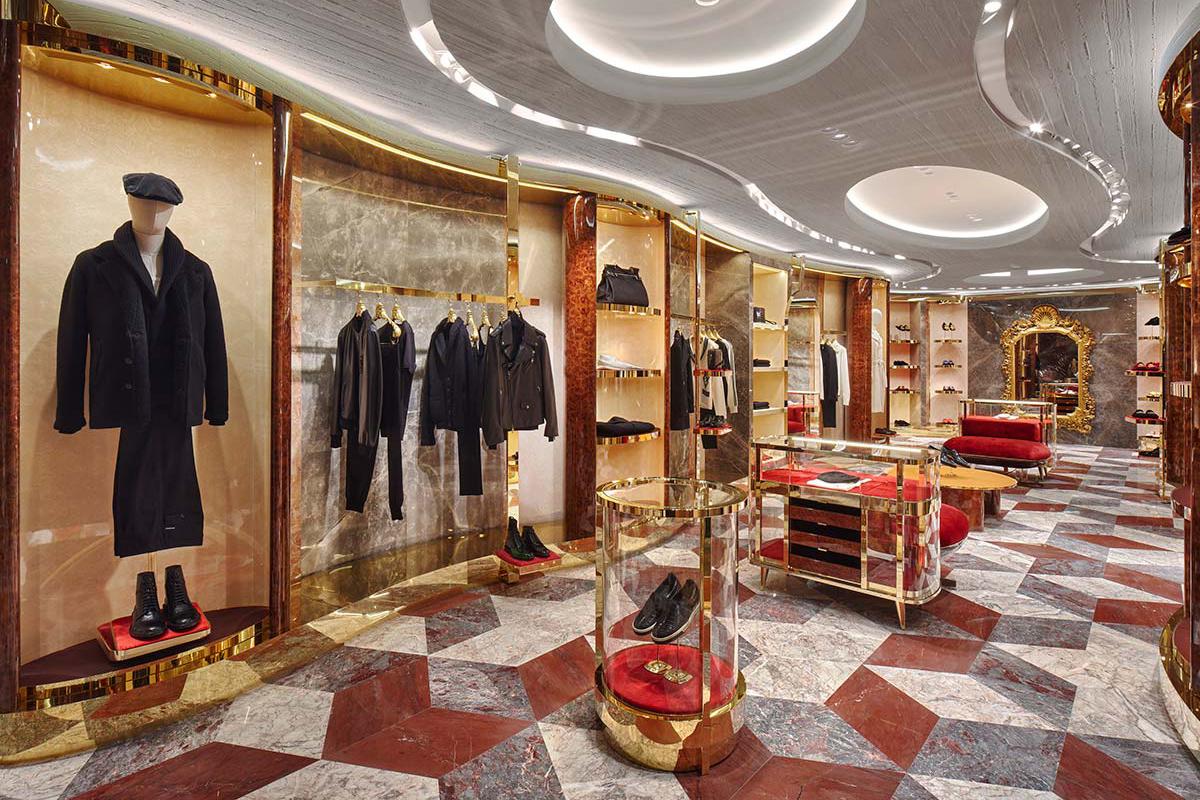 Man 01 - Dolce&Gabbana - Rue du Faubourg Saint-Honoré, Paris
