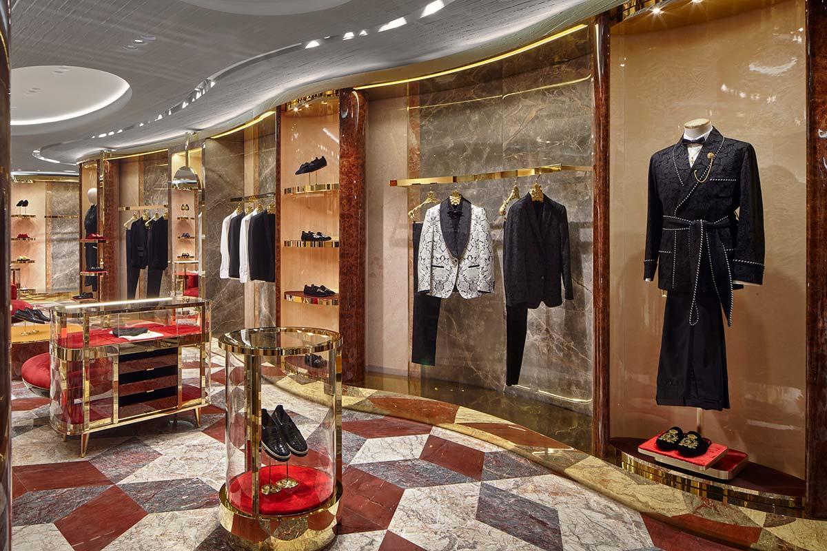 Man 02 - Dolce&Gabbana - Rue du Faubourg Saint-Honoré, Paris