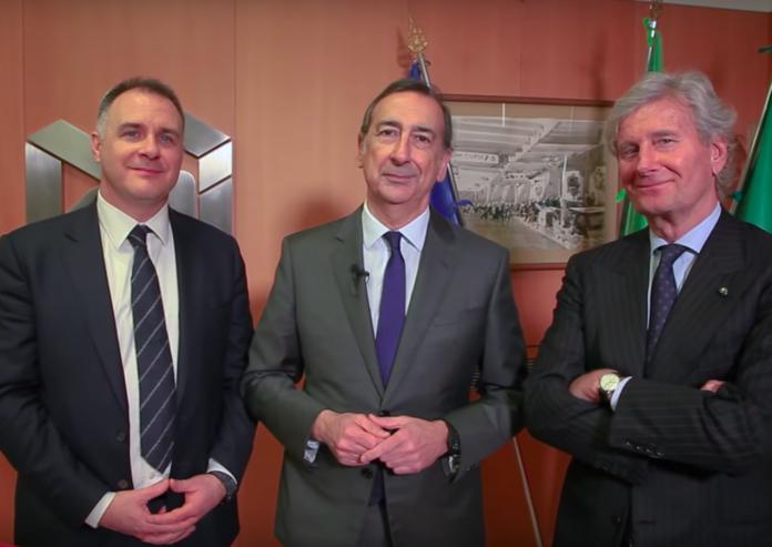 Da sinistra, il presidente FederlegnoArredo Emanuele Orsini, il sindaco di Milano Beppe Sala, il presidente del Salone del Mobile Claudio Luti