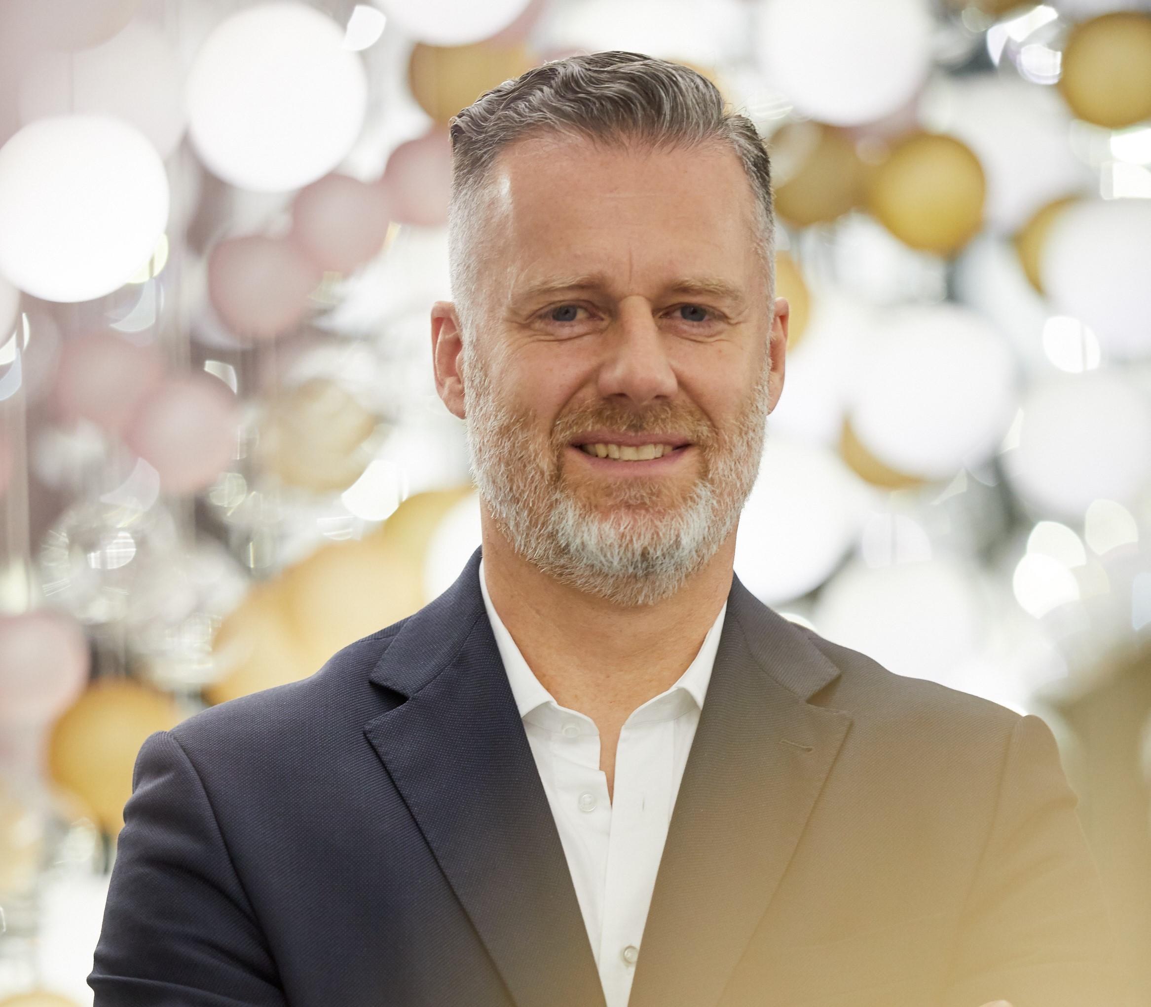 Jan Volsik, Global sales&marketing director Preciosa Lighting