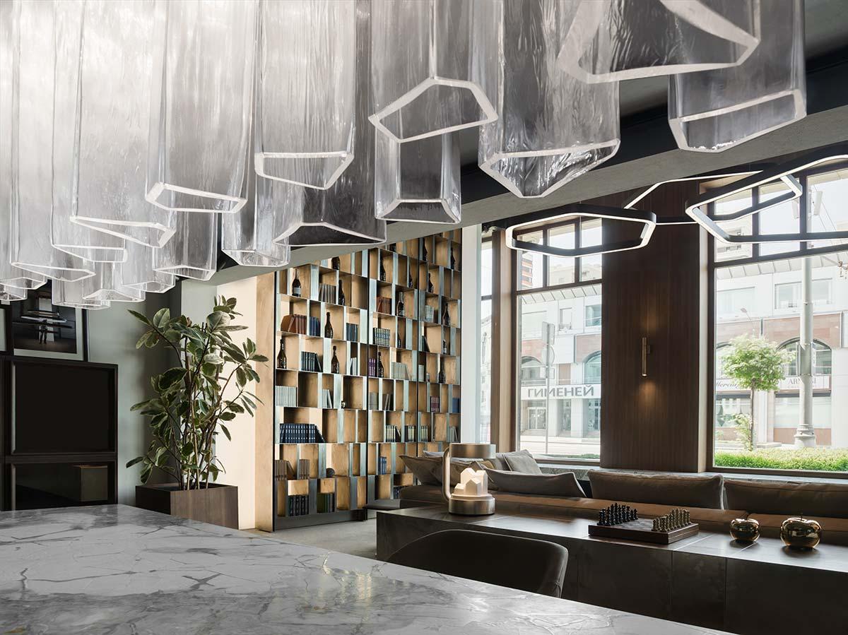 Henge showroom, Mosca