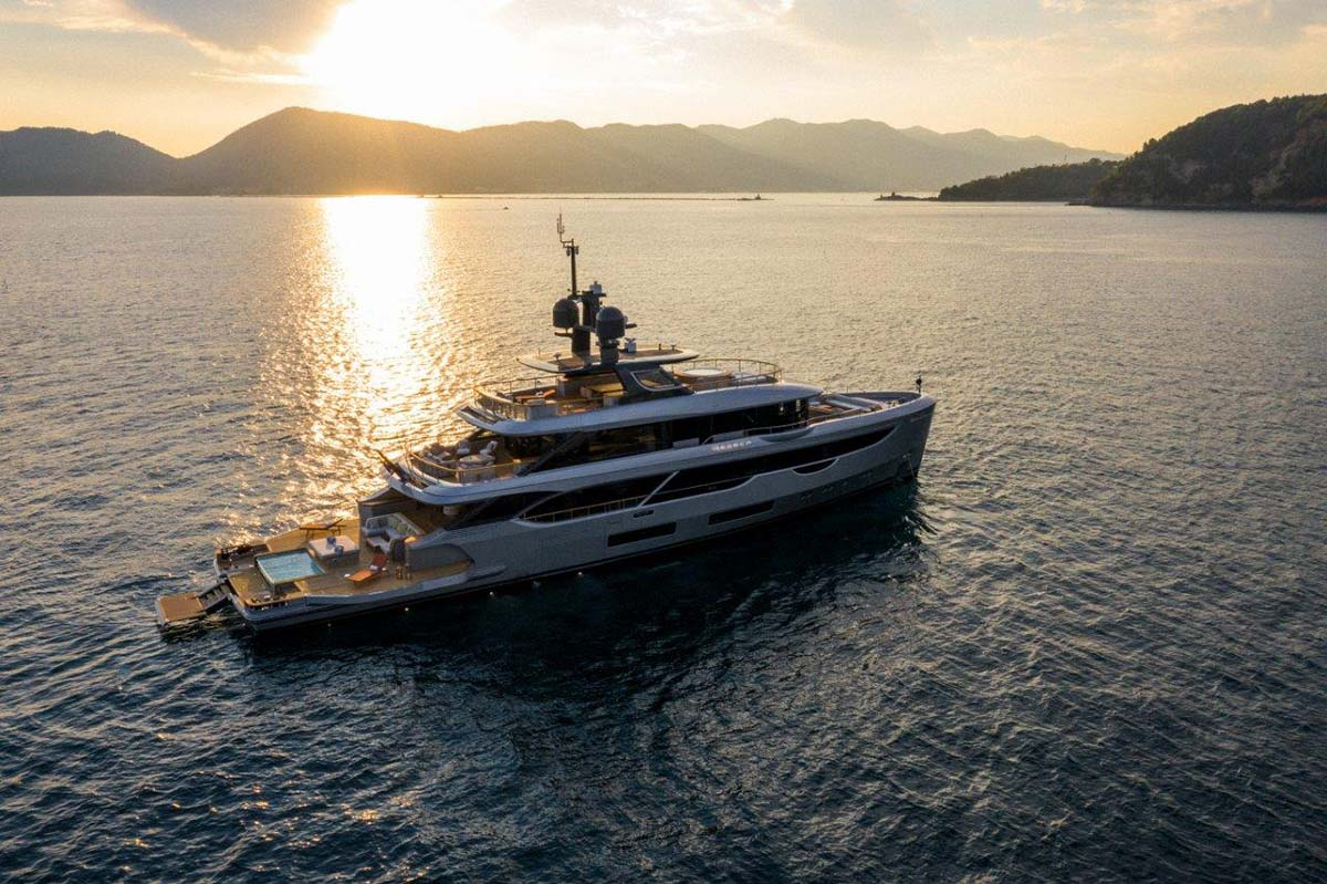 Oasis 40M by Benetti