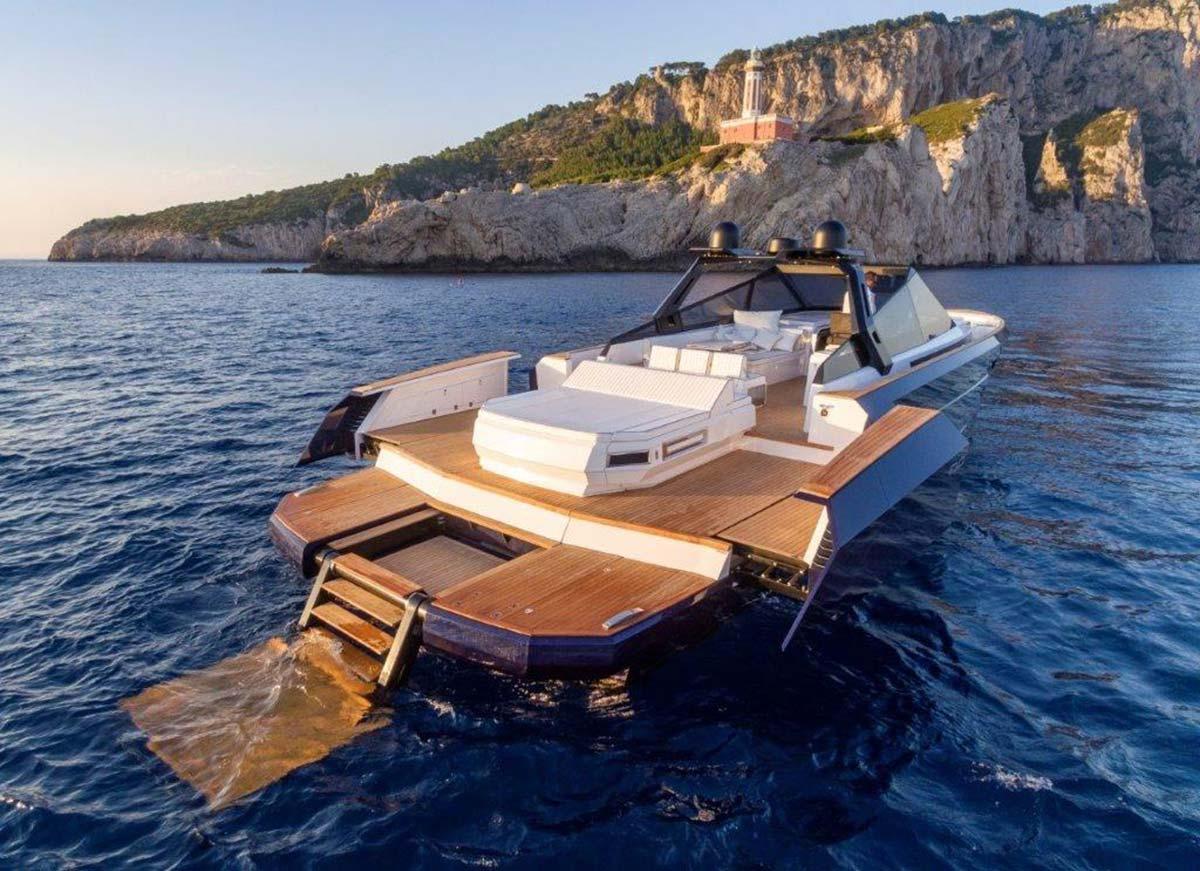 Evo R6 Open by Evo Yachts