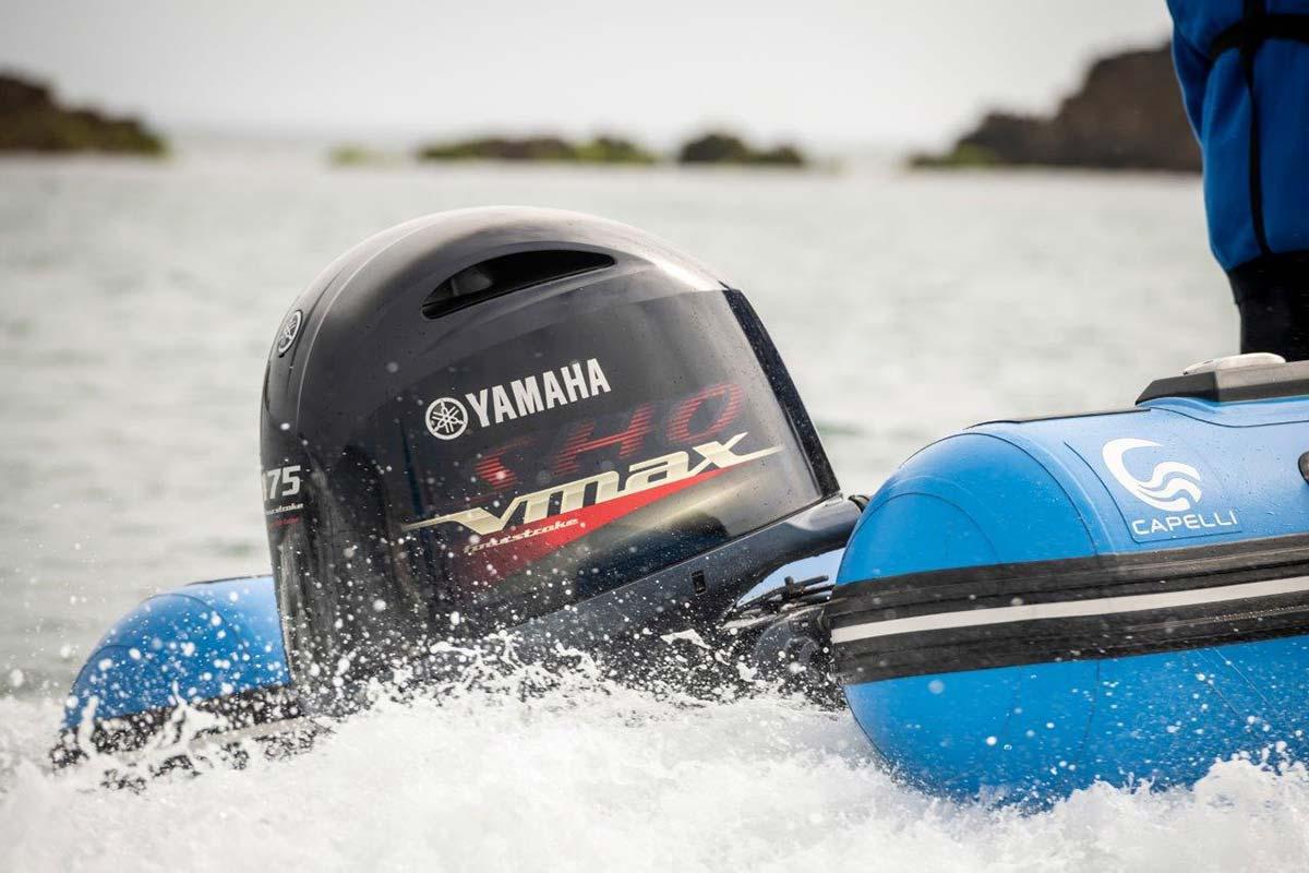 V MAX SHO by Yamaha Marine Italia