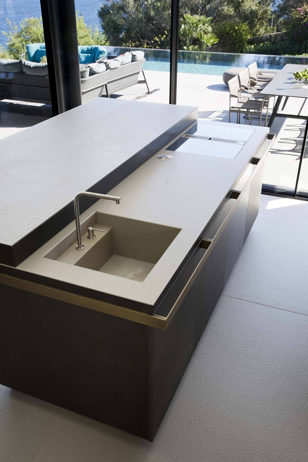 Kitchen top by Lapitec - Villa Emma