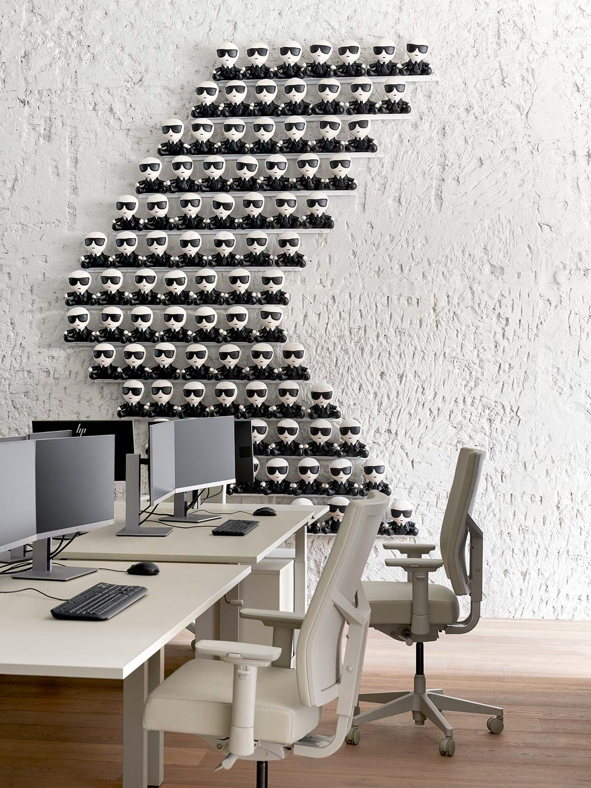 Karl Lagerfeld, Amsterdam