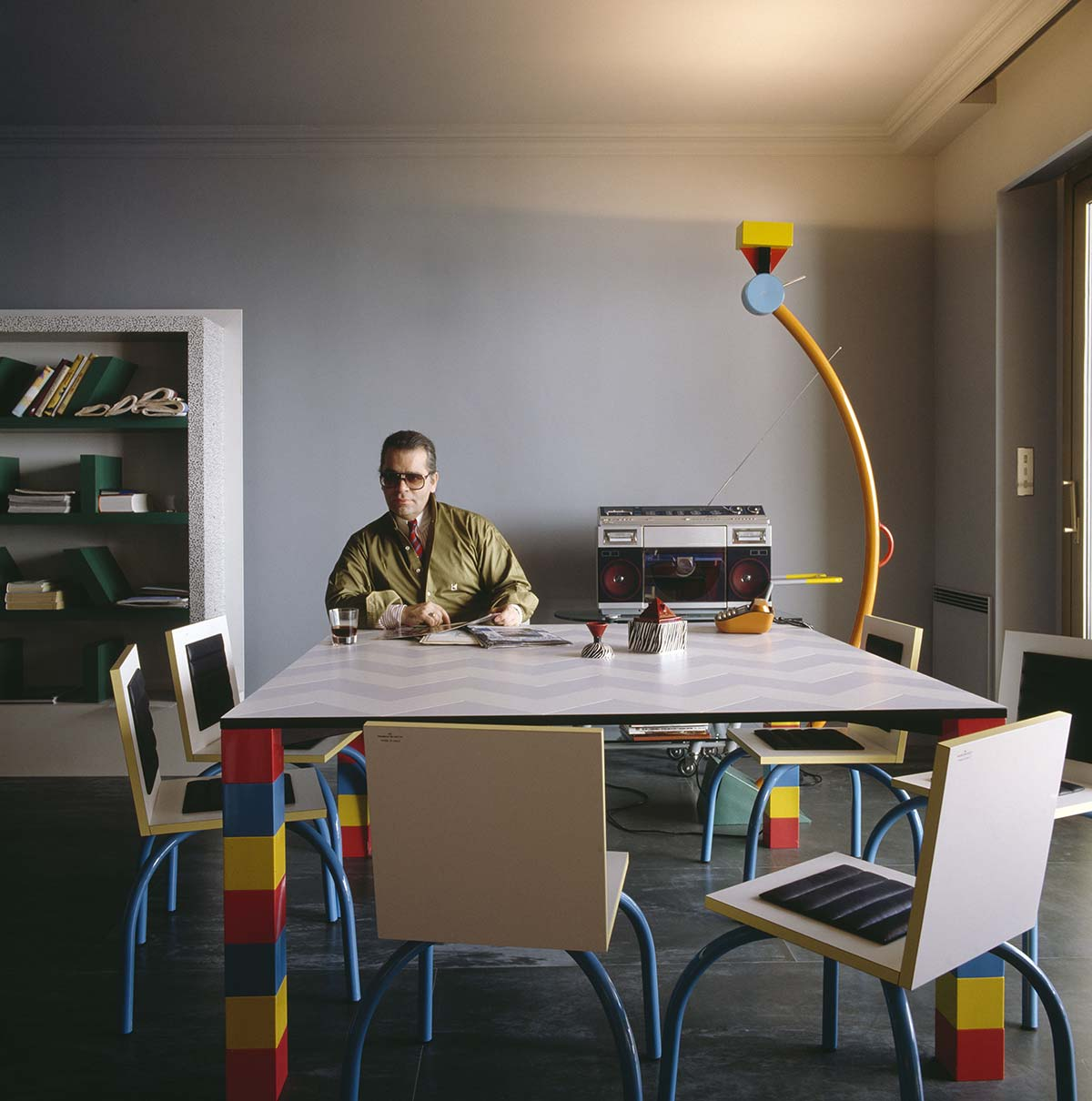 Karl Lagerfeld - Memphis, Vitra Design Museum - Photo © Jacques Schumacher, VG Bild-Kunst, Bonn 2021 for all designs by Ettore Sottsass