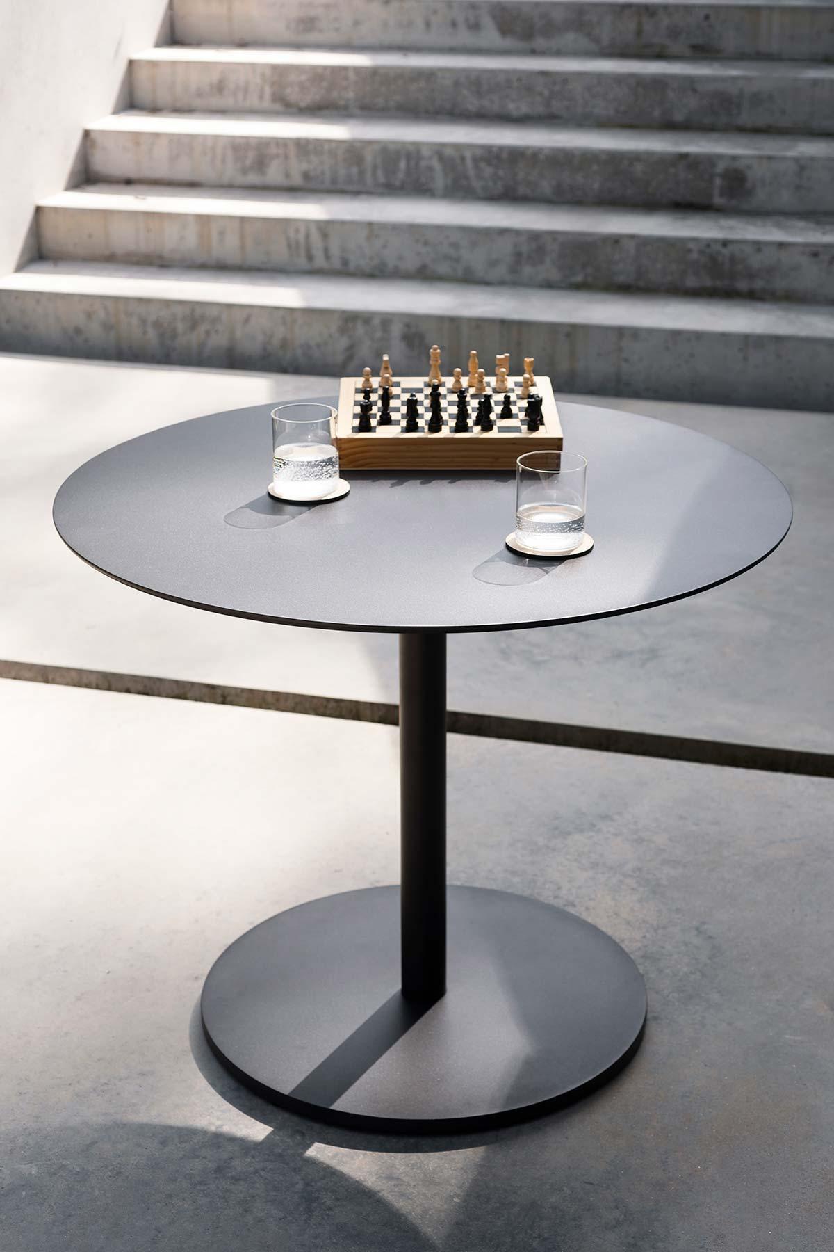 Button by Roda - Photo © Andrea Ferrari