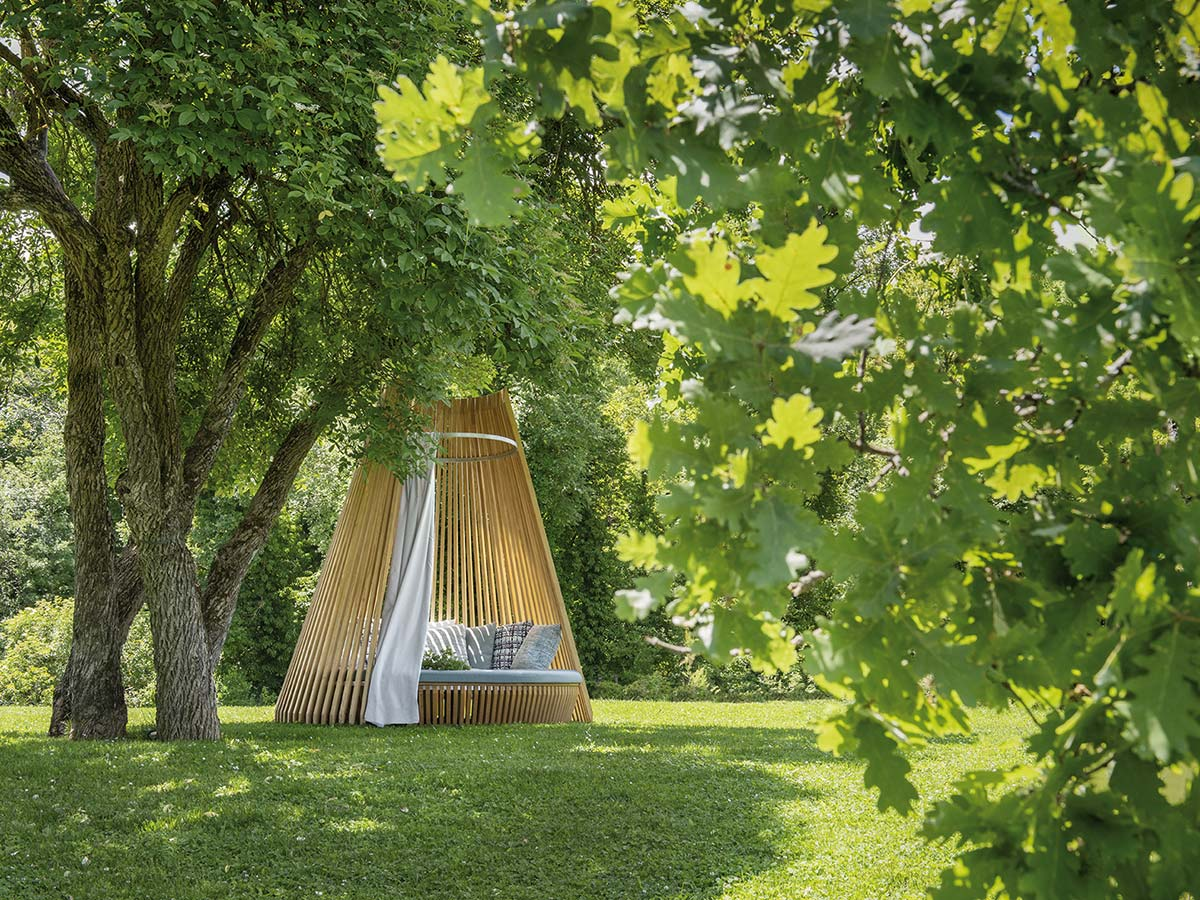 Hut by Ethimo, Design Marco Lavit
