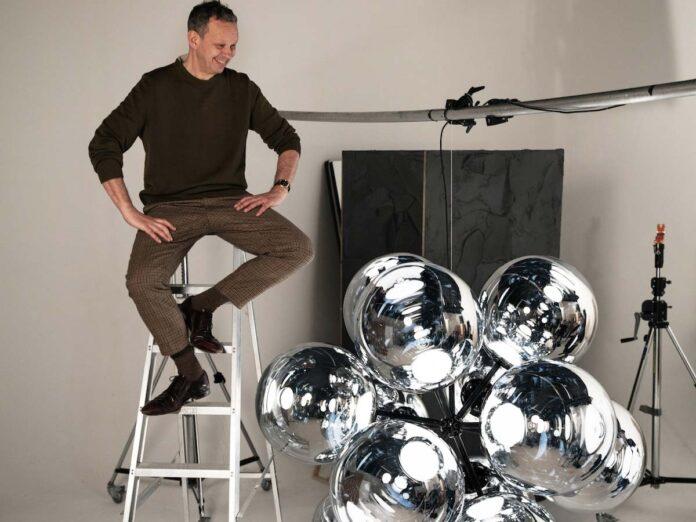 Tom Dixon con il nuovo chandelier Burst