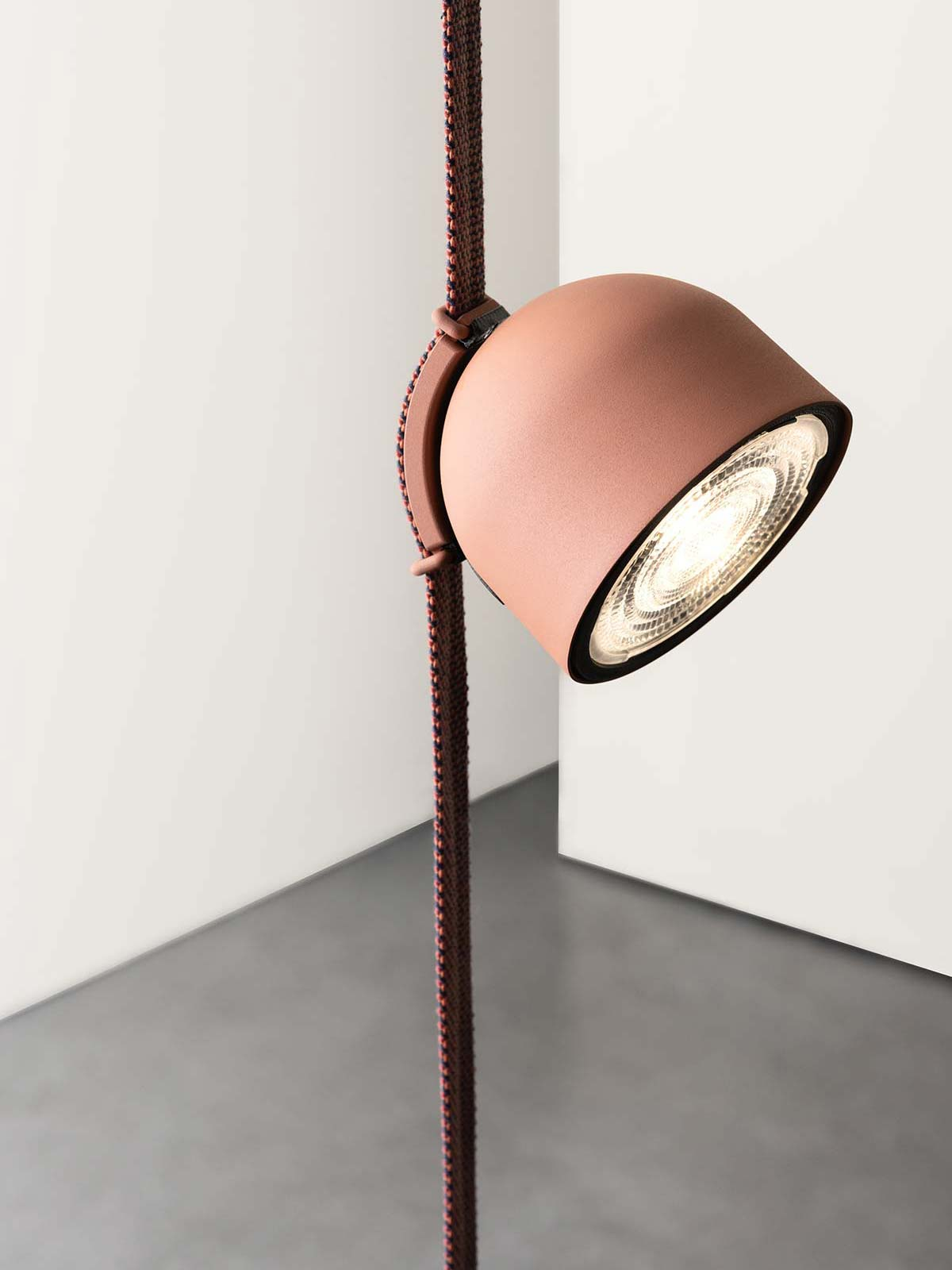 Plusminus by Vibia, Design Stefan Diez - Photo © Daniela Trost