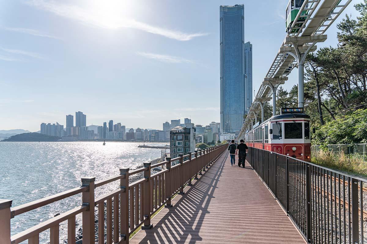 Blue Line Park, Busan - Photo © Hoyeon Shin